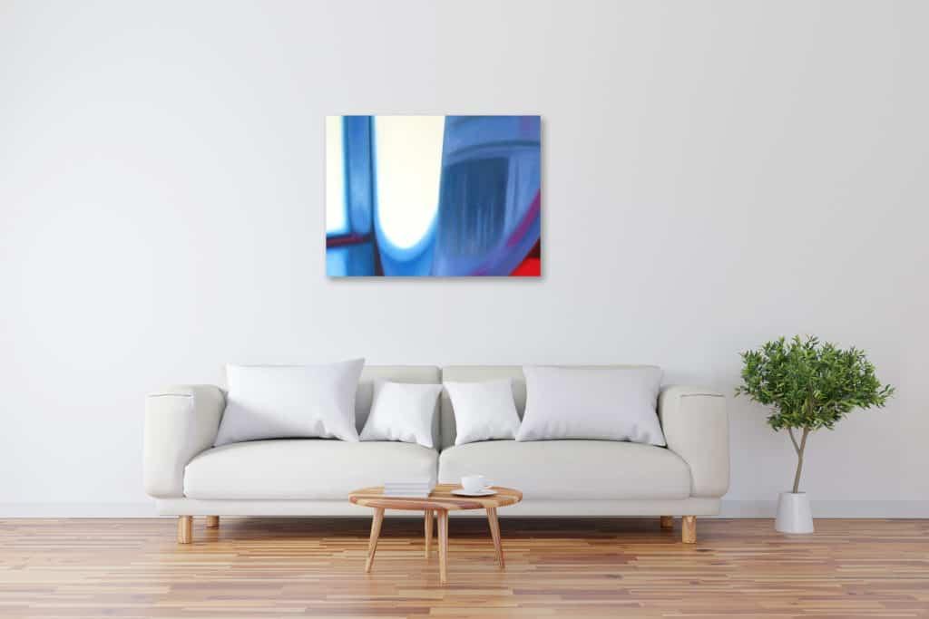 Abstraktes Kunstbild leuchtendes Blau mit Licht künstler